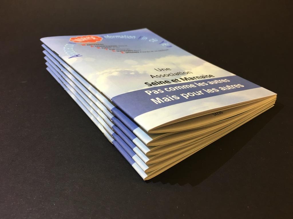Mini borchures offset format a6 pour association for Agence format paysage