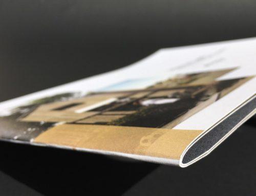 Plaquette assurance brochure quadri pelliculage mat for Agence format paysage