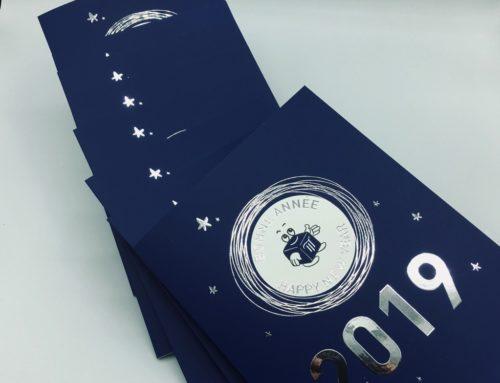Carte de voeux 2019 en dorure numérique 3D Argent Brillant – Impression Pantone Offset Bleu