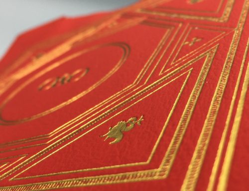 Dorure à chaud Or Kurz sur cuir rouge véritable pour coffret luxe
