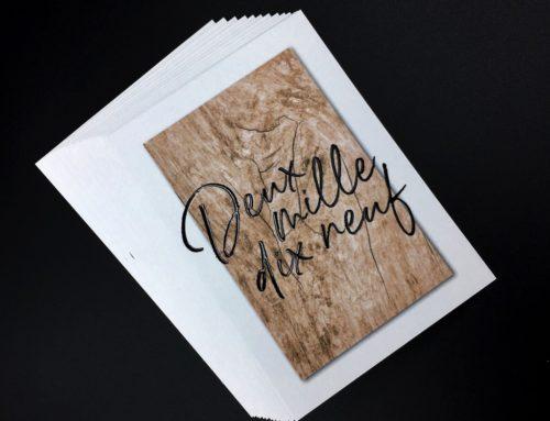 Carte de voeux parquet texture bois – Pelliculage Soft Touch et Vernis 3D numérique