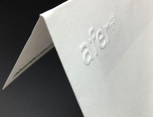 Fabrication d'enveloppes carrées avec double face sur mesure avec Gaufrage – Olin regular extra blanc 120gr/m2