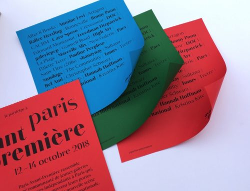 Affiches Galeries Paris Avant Première Impression noir sur Colorplan 135gr/m2 Bright Red, Tabriz Blue, Lockwood Green