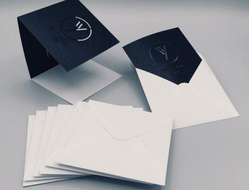 Carte de voeux 3 volets découpe laser en enveloppes assorties sur mesure – Constellation E08 Tela Fine