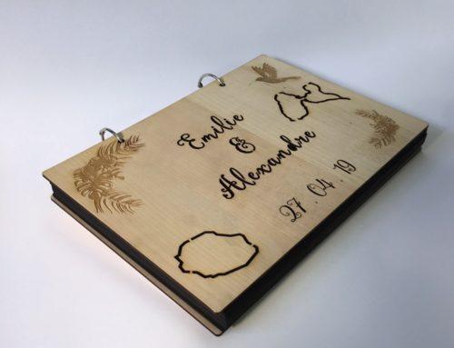 Livre d'or Mariage photobooth bois gravé avec deux anneaux- Réunion et Martinique – Erable massif