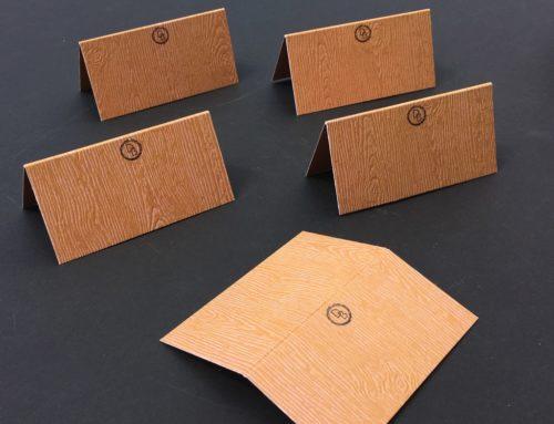 Marque place chevalets Bar Mitzvah imitation bois – Papier texturé Gmund