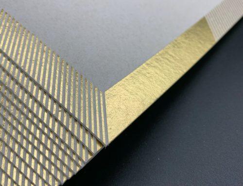 Carton de voeux sans encre éco-responsable – Marquage à chaud Or Brillant sur Carton recyclé 700gr/m2