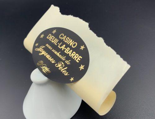 Etiquettes en bobine Joyeuses Fêtes Ovale – Dorure à chaud or brillante sur papier Noir