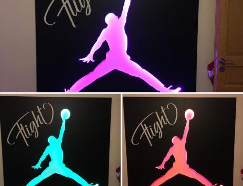 Tableau déco avec logo Jordan – Dibond 3mm avec rétro-éclairage LED