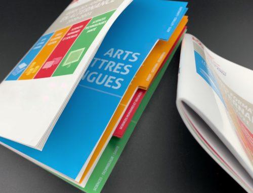 Livret brochure avec découpe d'onglets – Couché Brillant 135gr/m2 – Piqure à cheval
