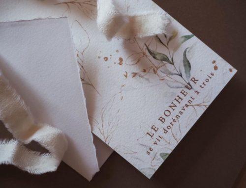 Faire-part de naissance feuilles d'olivier sur papier texturé avec enveloppes faites main bords déchirés –  pantone cuivre 876 – Tintoretto Gesso