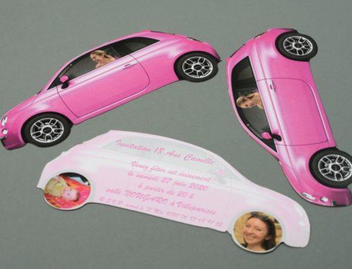 Carte d'invitation d'anniversaire en forme de Fiat 500 Rose découpée au laser