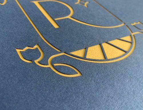 Boite cloche souple pour rapport Agence – Découpe laser logo Rennaissance – Colorplan Cobalt 270gr/m2 – Curious Metallics Super Gold