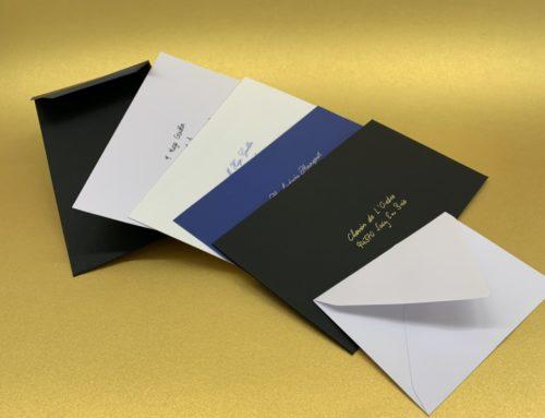 Calligraphie d'adresses sur enveloppes