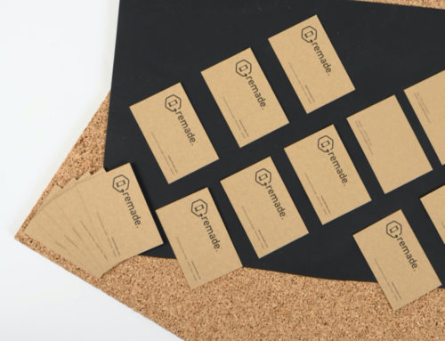 Carte de visite éco-responsable impression noir avec débossage sur papier Kraft Naturel 350gr/m2