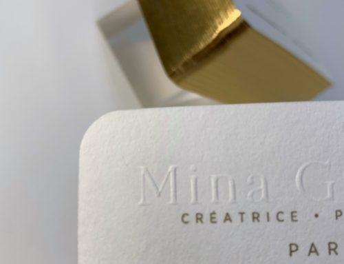 Cartes de visite créatrice de paris – Gaufrage sur logo avec dorure sur tranche or brillante sur angles arrondis – Materica Gesso 360gr/m2