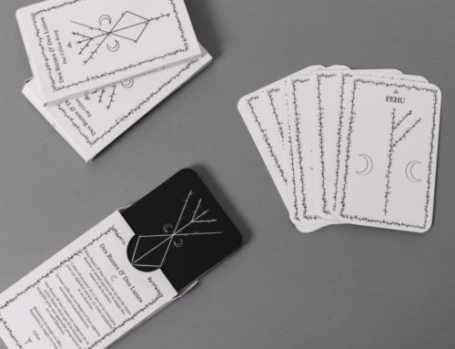 Jeu de Tarot avec boite spécial cartomancie – Pelliculage Mat et angles arrondis