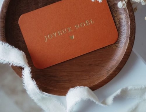 Carte de Noël en dorure à chaud Or Mat sur Colorplan Rust 270gr/m2 avec angles arrondis