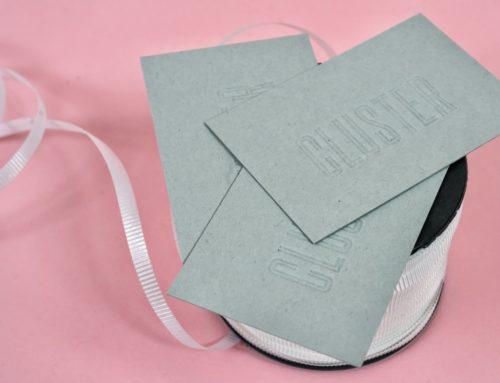 Cartes de visite en débossage pur sur papier coton – Gmund Heidi Faded Grey 330gr/m2