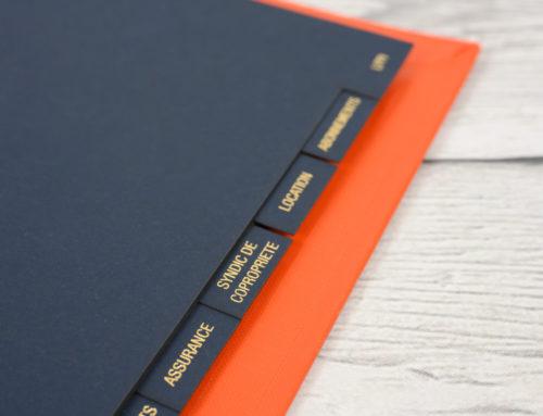 Intercalaires classeur sur mesure avec découpe d'onglets et marquage à chaud or mat – Colorplan Impérial blue 350gr/2