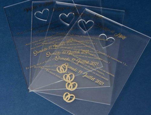 Faire-part de mariage transparent plexiglas en dorure à chaud et découpe laser coeur
