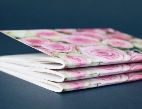 Mini carnets de notes fleuris format A6 en impression et reliure avec 2 agrafes metal