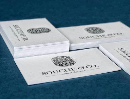 Cartes de visite designer en marquage à chaud noir avec débossage – Colorplan Whitefrost 700gr/m2