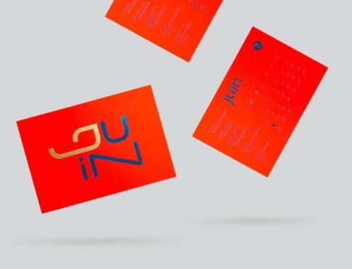 Carte Juin calendrier Collaboratif ICB 2021 Juin – Gmund action Electric Blood 430gr/m2 – Dorure Bleu Macau 6072 et Or Mat