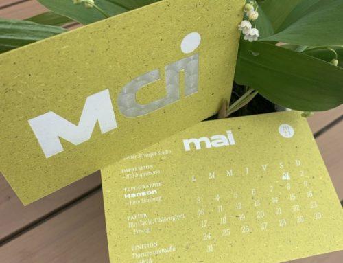 Calendrier ICB 2021 Mai – Marquage à chaud micro texturé argent mat et dorure à chaud blanche brillant sur papier recyclé Gmund Bio Cycle Chlorophyll contrecollé 600gr/m2