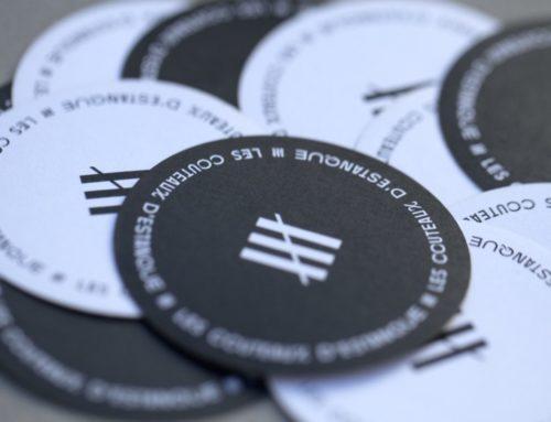 Etiquettes rondes black and white sur mesure pour artisan coutelier – Découpe laser à l'unité – Adhésif velin 70gr/m2