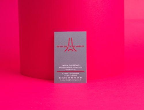 Carte de Visite Thermorelief Magenta sur aplat gris – Bristol 320gr/m2