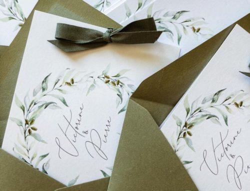 Faire-part de mariage provençal dessin d'olivier et ruban assorti – enveloppes patte pointue verte kaki