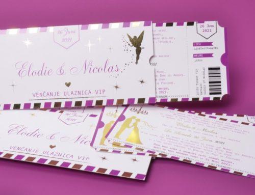 Pochette faire-part de mariage fée Clochette avec billet et coupon détachable – Violet et Or – Dorure numérique OR – Couché mat 350gr/m2
