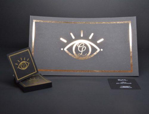 Book de présentation Fashion en dorure numérique Or sur Sirio Black 290gr/m2 – Reliure dos carré collé